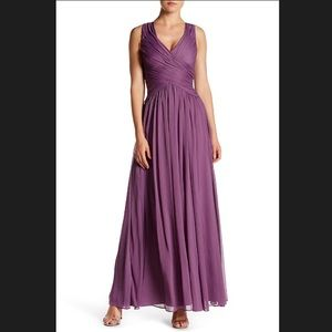NWT Vera Wang Gathered Chiffon Full Length Gown